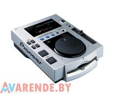 Профессиональный CD-проигрыватель с фронтальной загрузкой Pioneer CDJ-100