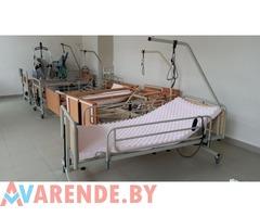 Прокат кровати с электроприводом для ухода за лежачими больными на колесах