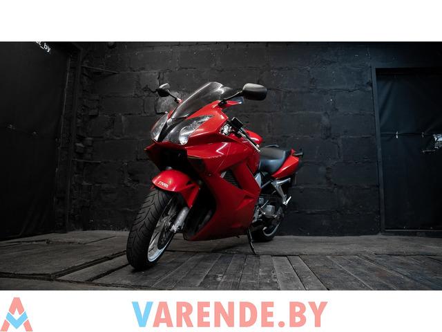 Аренда мотоцикла Honda VFR 800 - 2/4