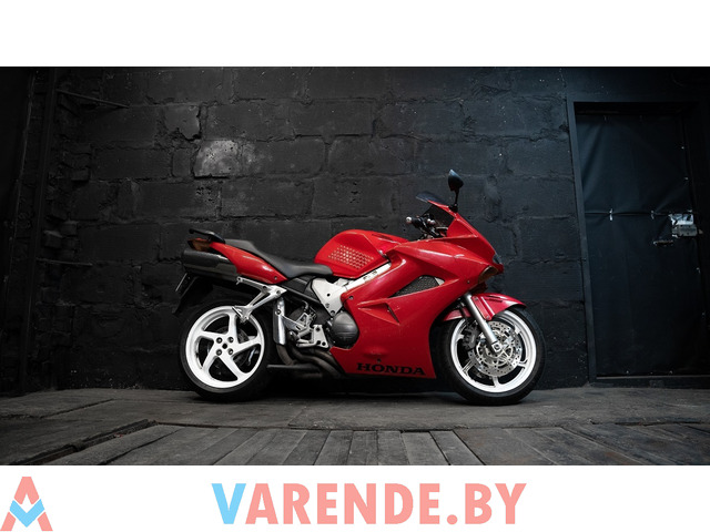 Аренда мотоцикла Honda VFR 800 - 3/4