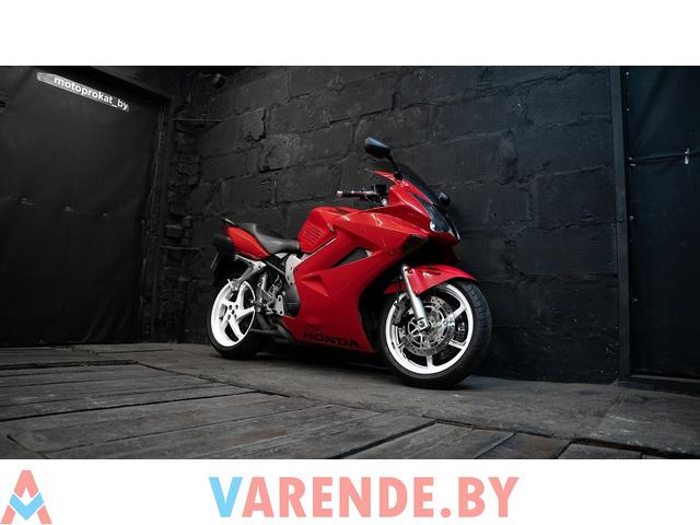 Аренда мотоцикла Honda VFR 800 - 4/4